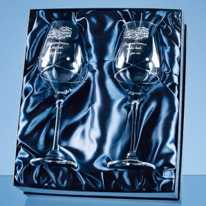 Personalised Crystal Swirl Wine Glasses Set - Image 1